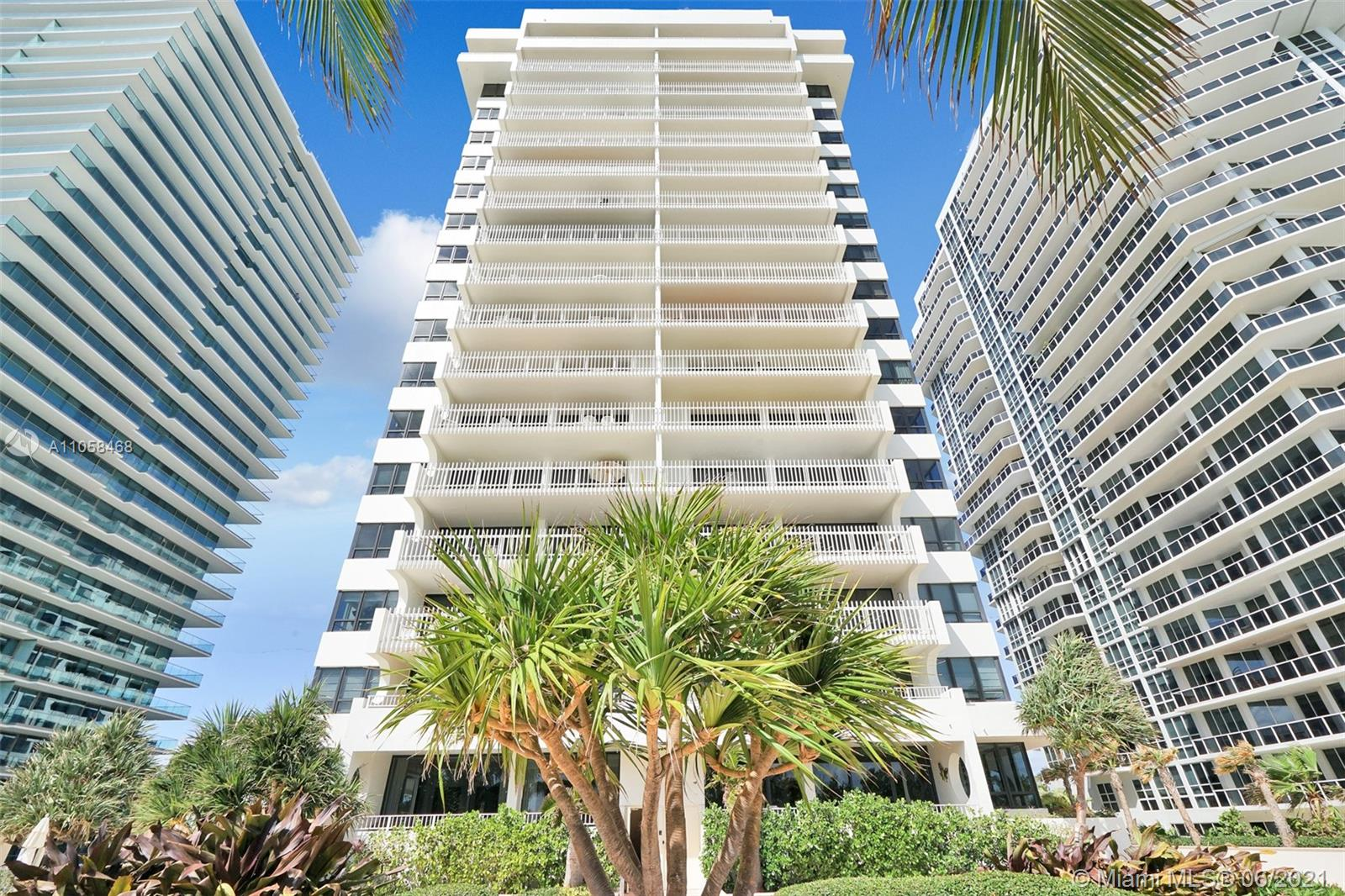 10205 Collins Ave #104 photo01