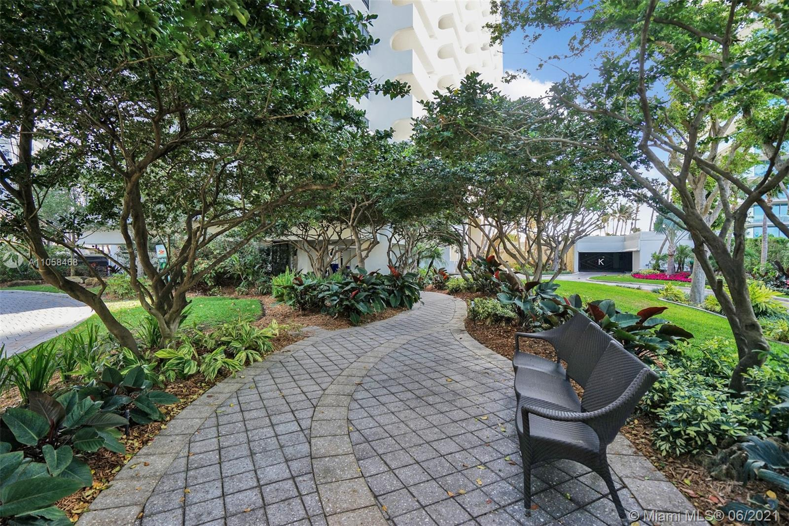 10205 Collins Ave #104 photo028