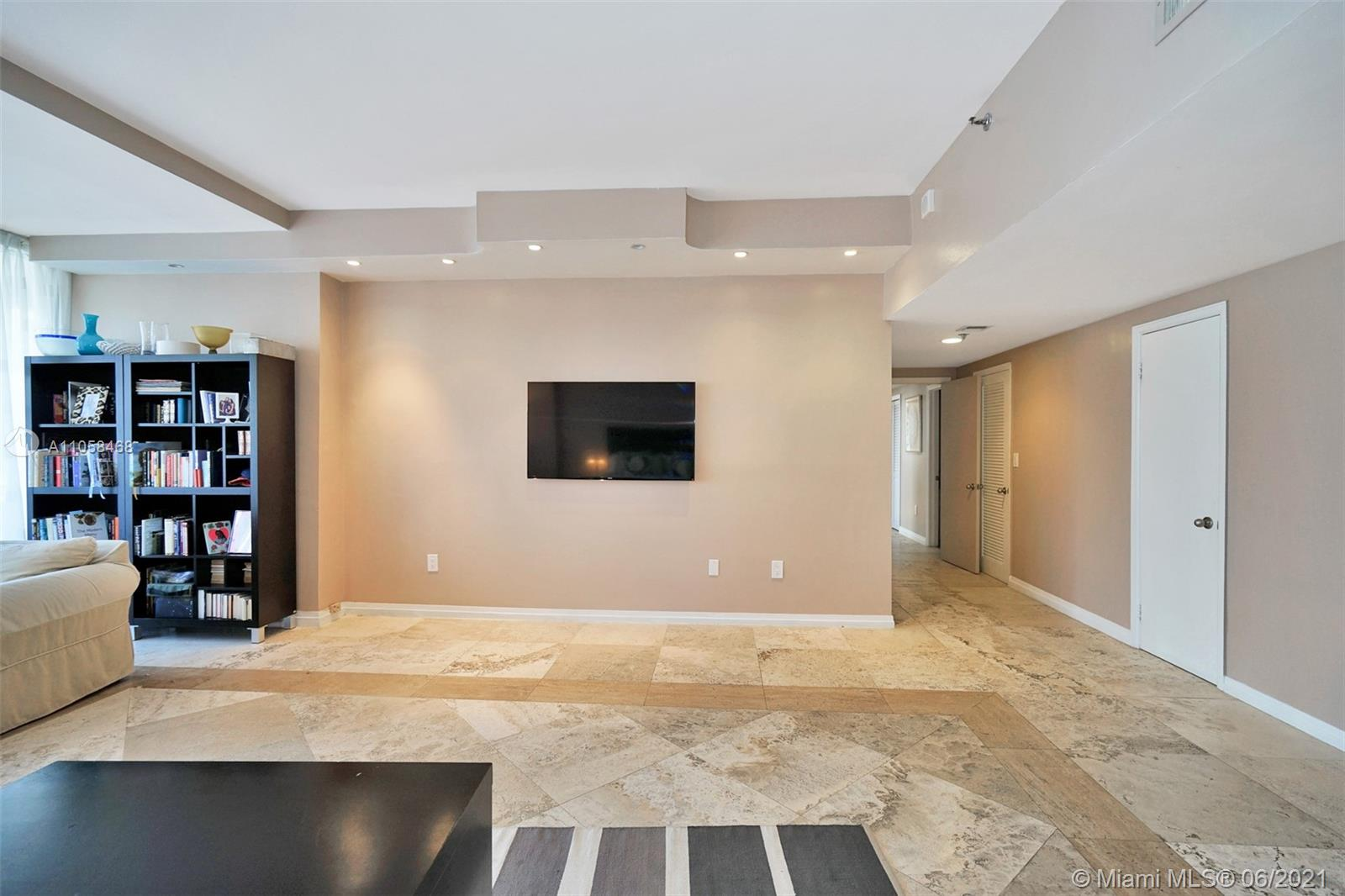 10205 Collins Ave #104 photo014