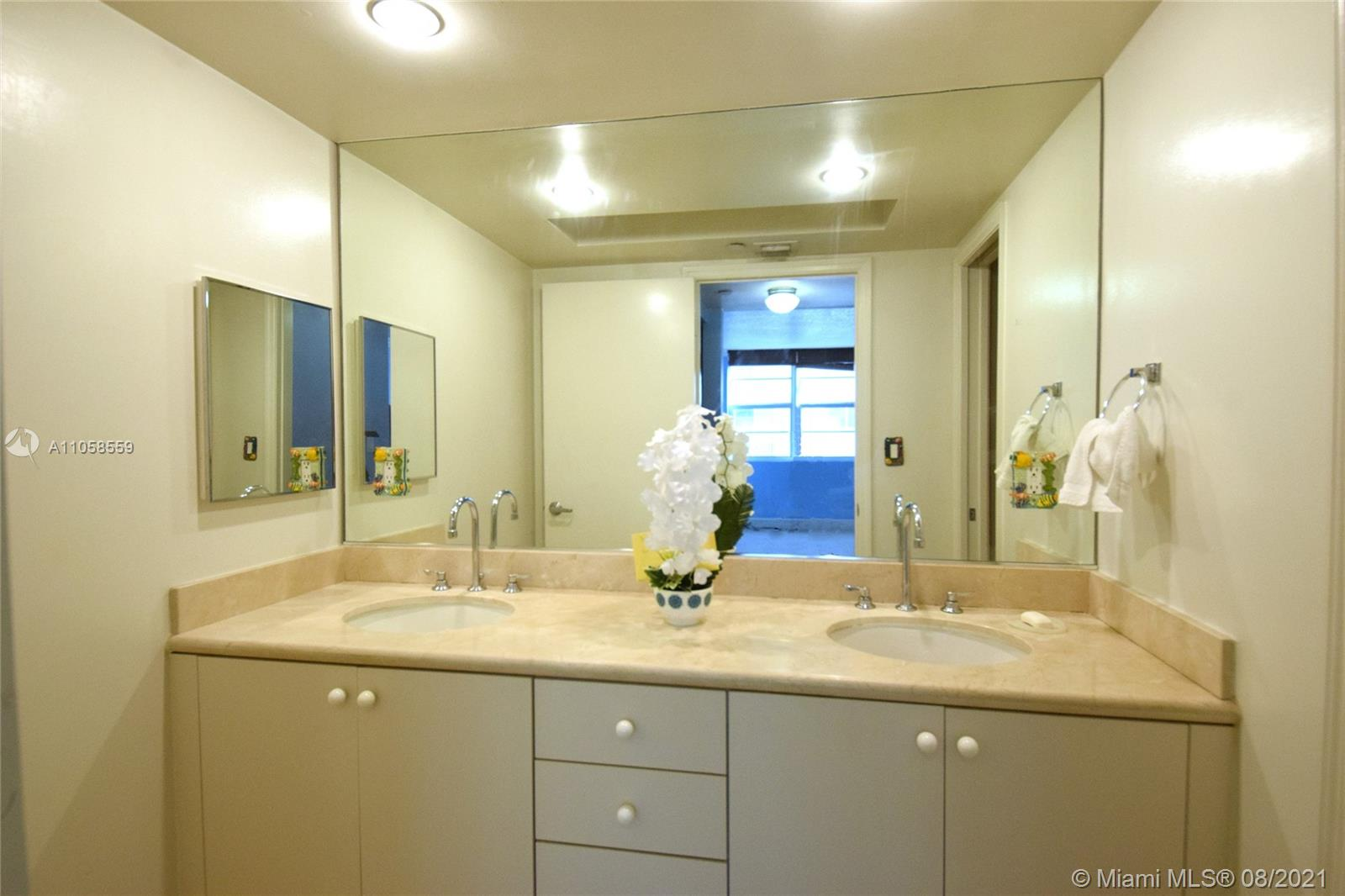 6917 Collins Ave #808 photo07
