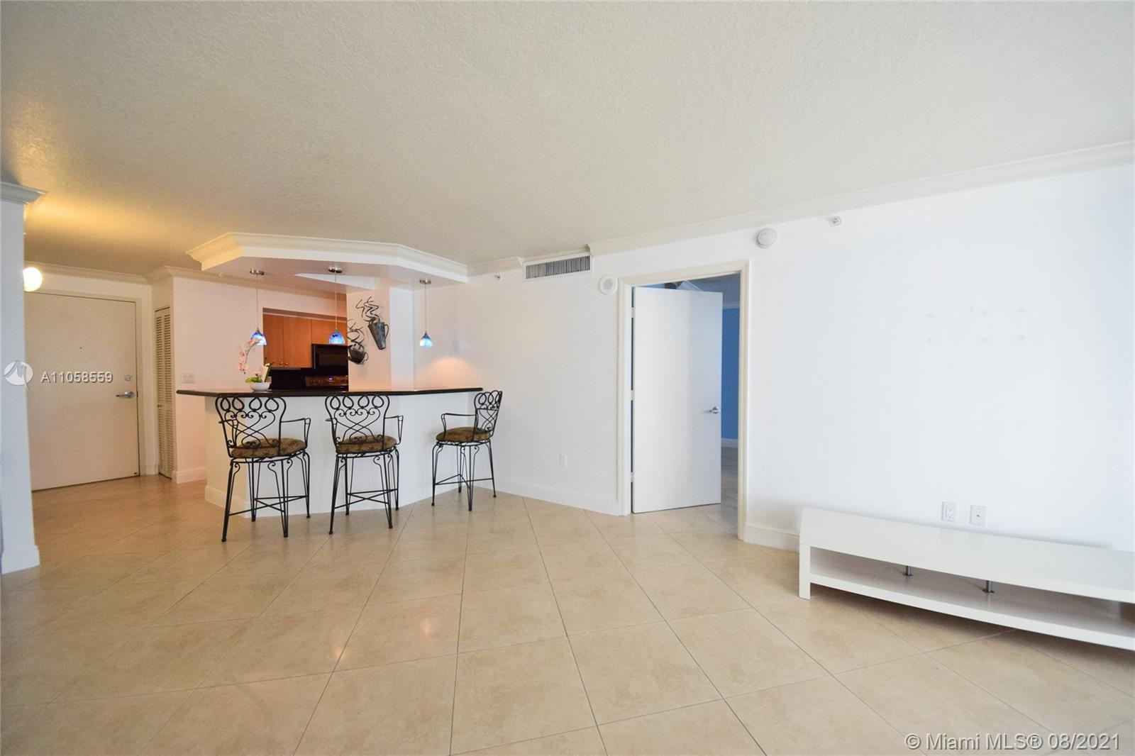 6917 Collins Ave #808 photo03