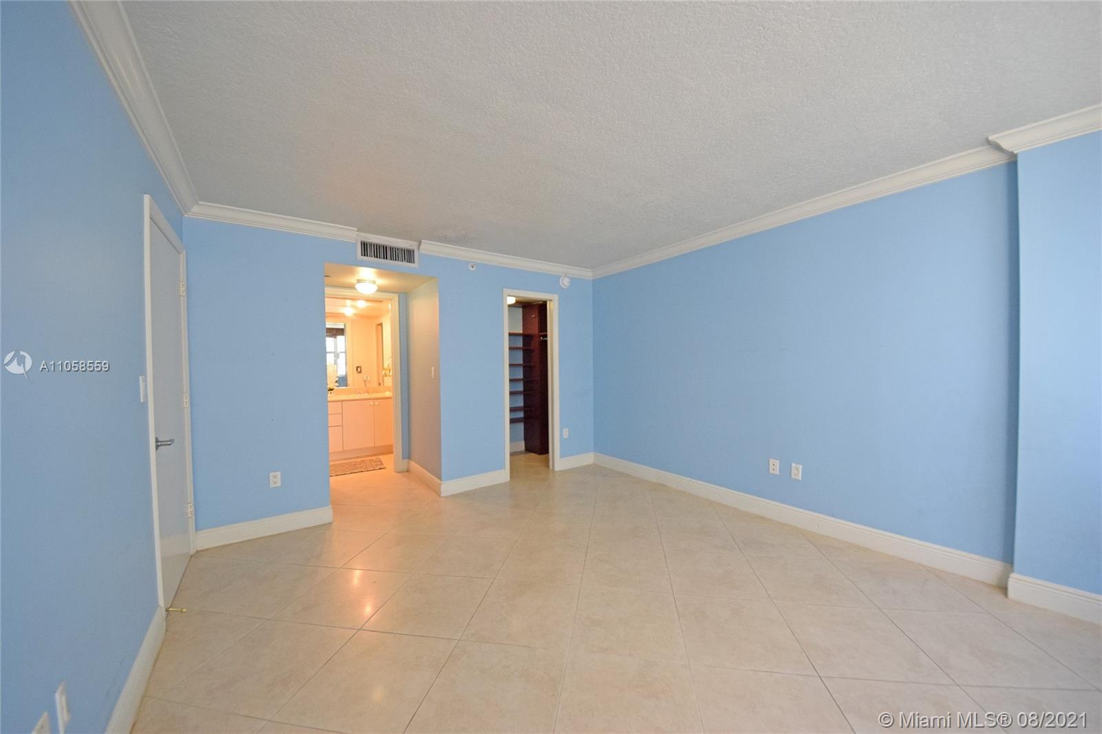 6917 Collins Ave #808 photo04