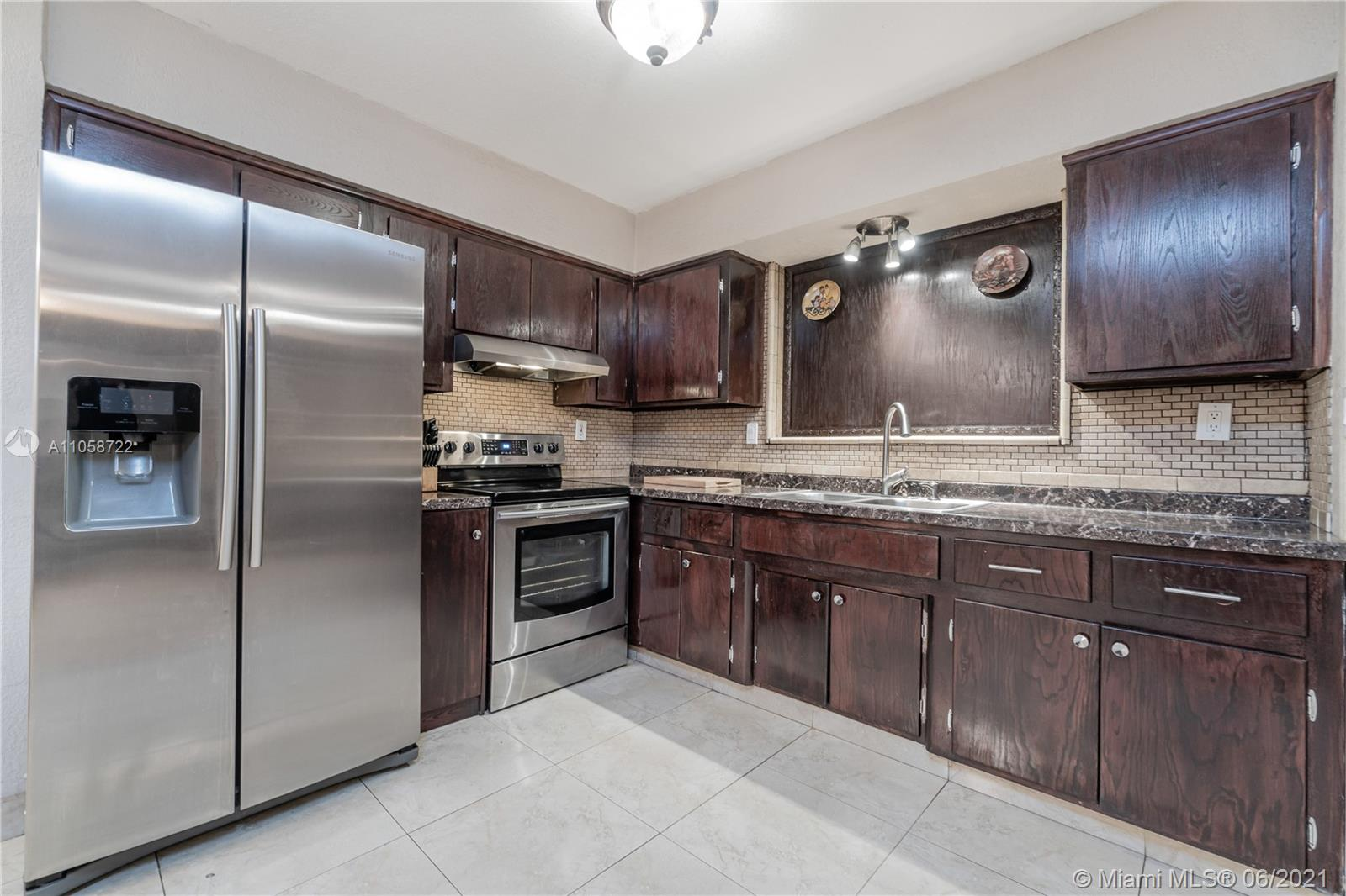 Boulevard Heights - 8211 NW 16th St, Pembroke Pines, FL 33024