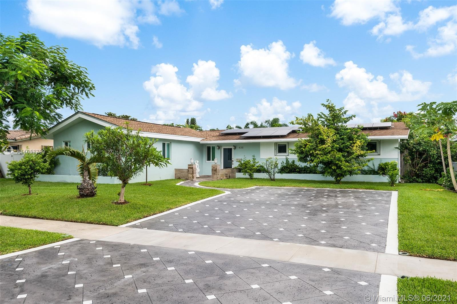 Hollywood Hills - 4311 Hayes St, Hollywood, FL 33021