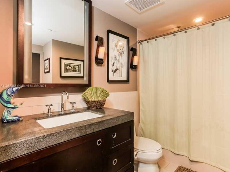 17315 Collins Ave #1208 photo09