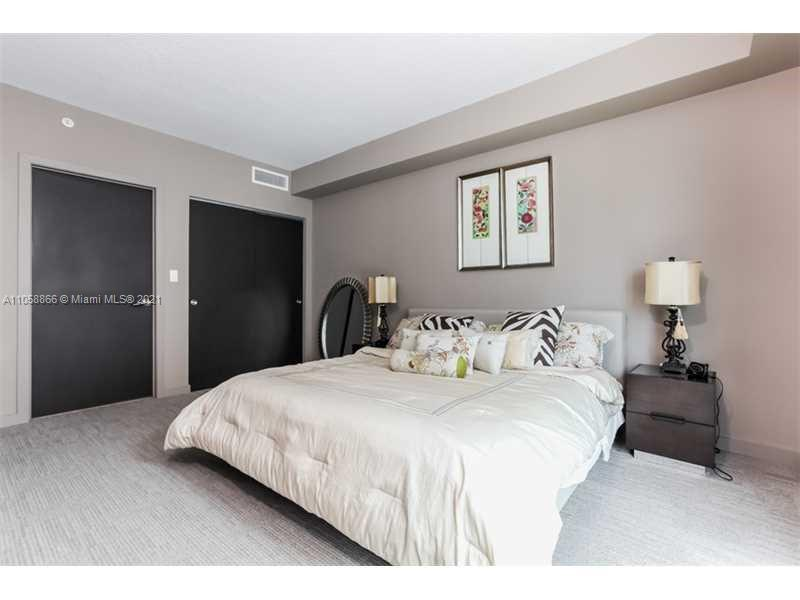 17315 Collins Ave #1208 photo08