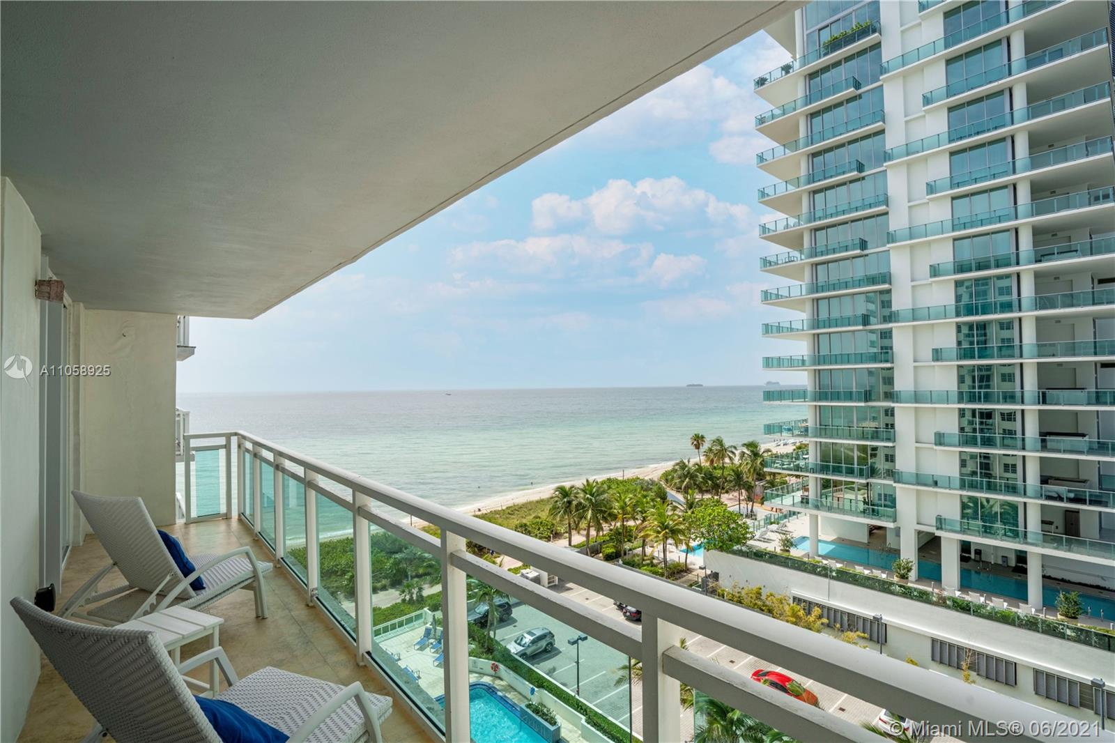 6917 Collins Ave #1005 photo02