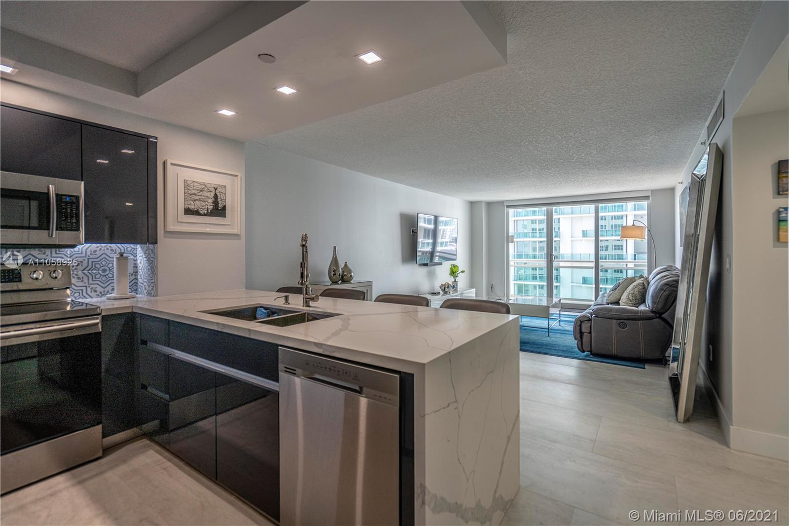 6917 Collins Ave #1005 photo08