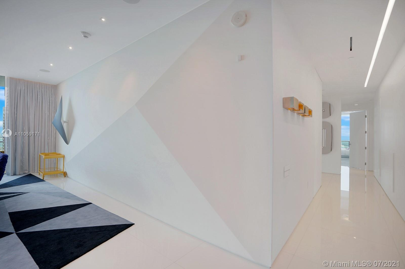 17475 Collins Ave #2602 photo015