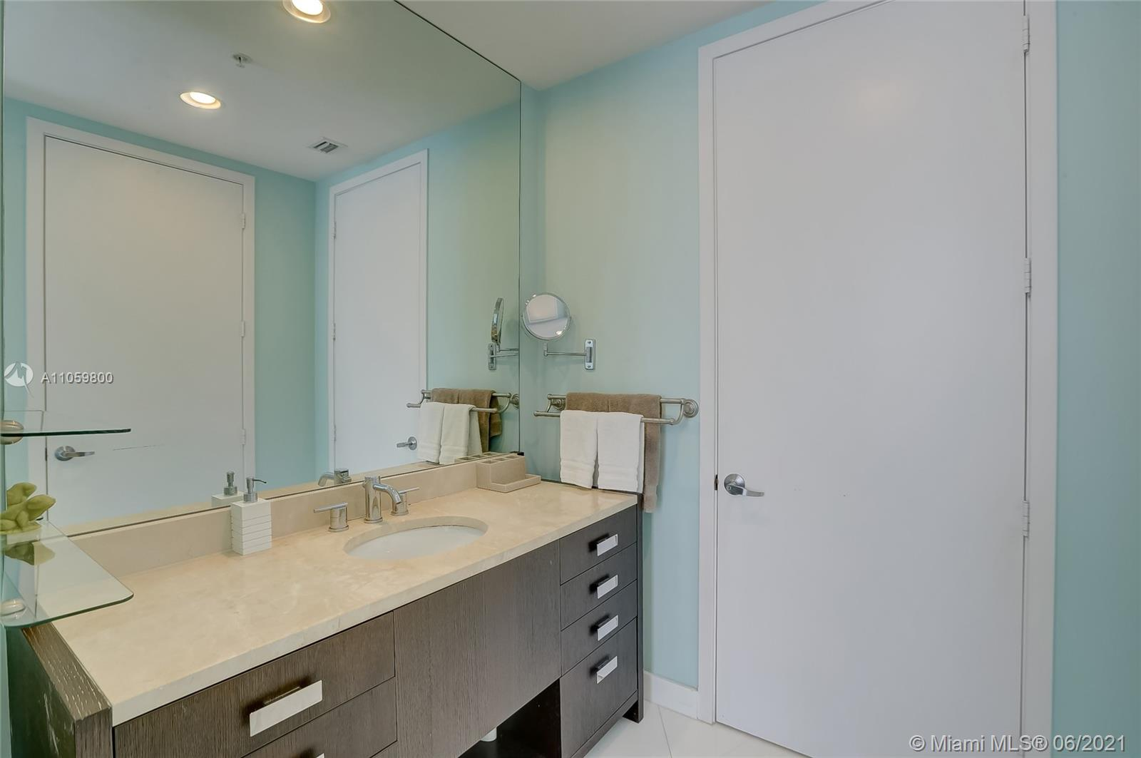 18201 Collins Ave #3902 photo024