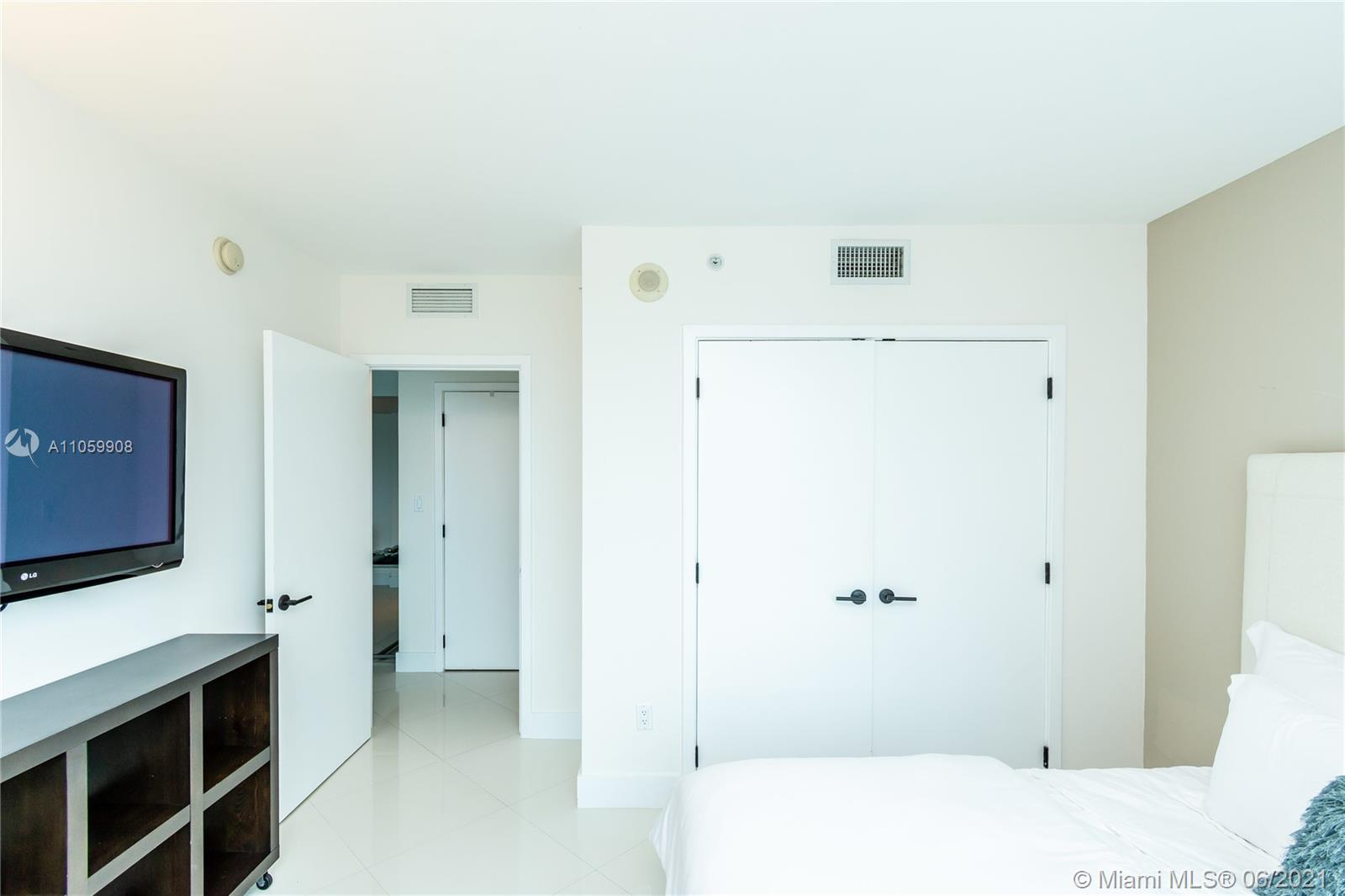 6801 Collins Ave #1105 photo016