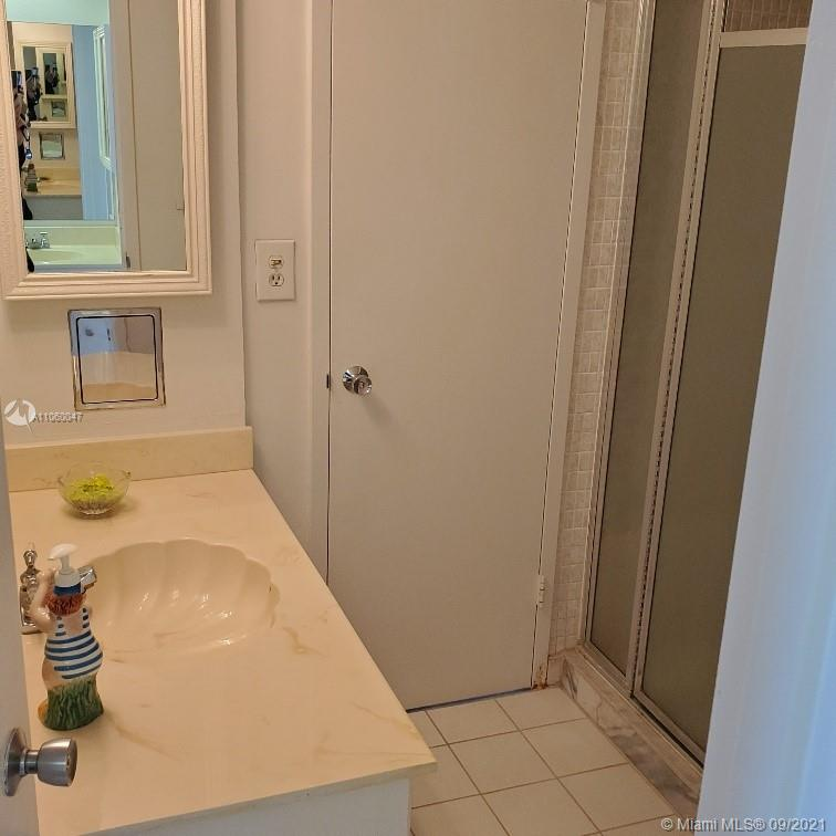 5701 Collins Ave #709 photo023