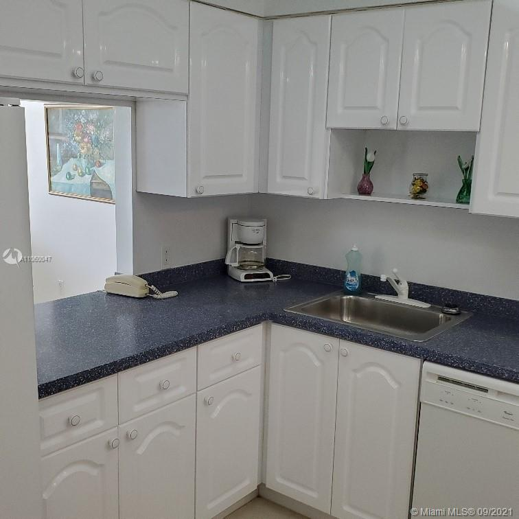 5701 Collins Ave #709 photo014
