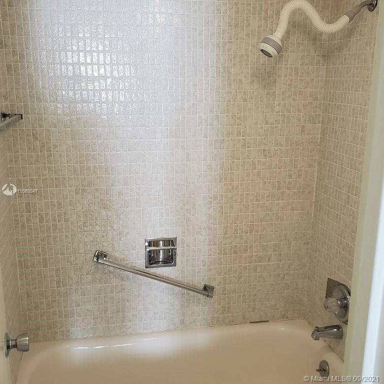 5701 Collins Ave #709 photo021