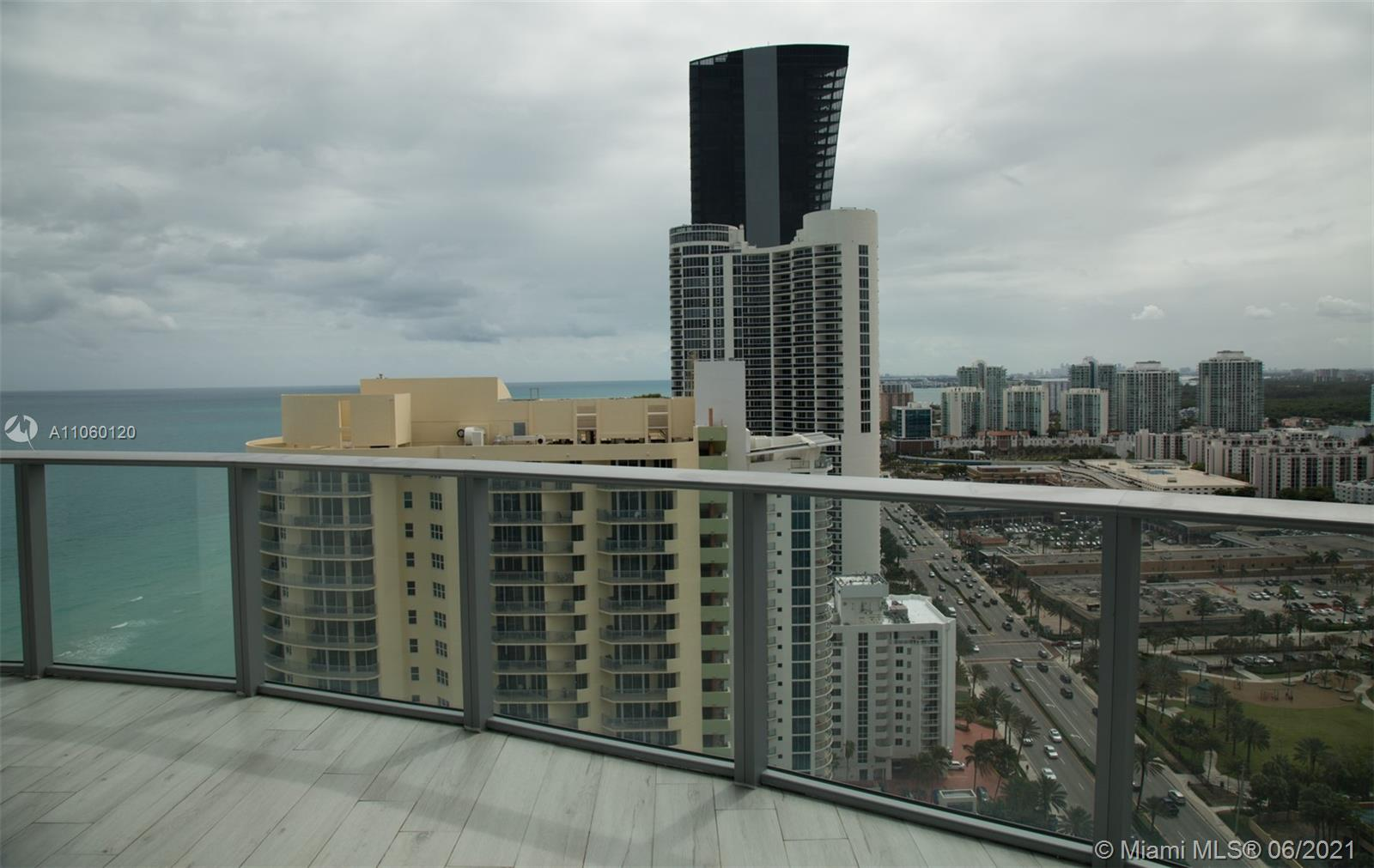 17475 Collins Ave #2203 photo07