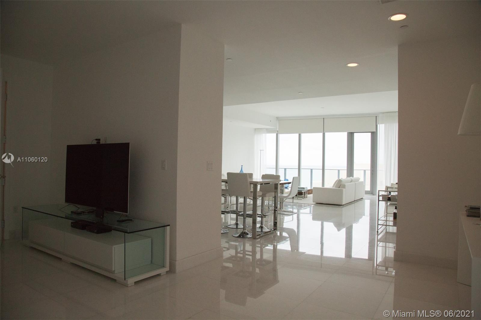 17475 Collins Ave #2203 photo040