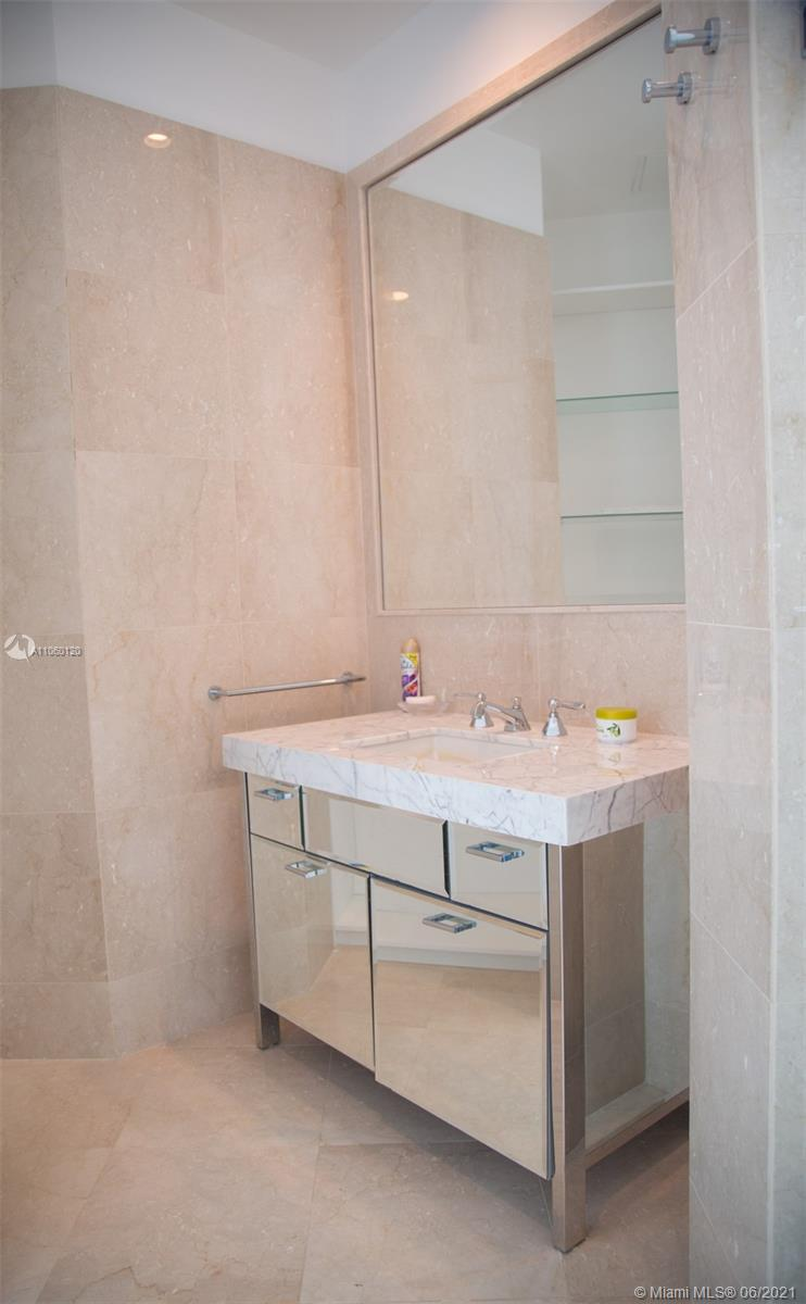 17475 Collins Ave #2203 photo021