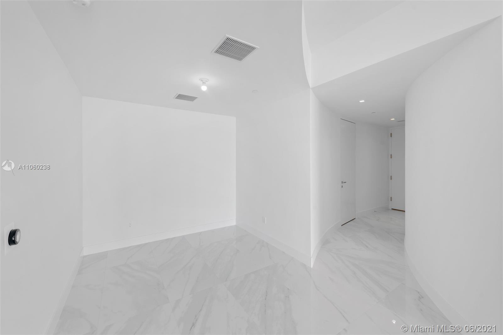 18975 Collins Ave #1804 photo030