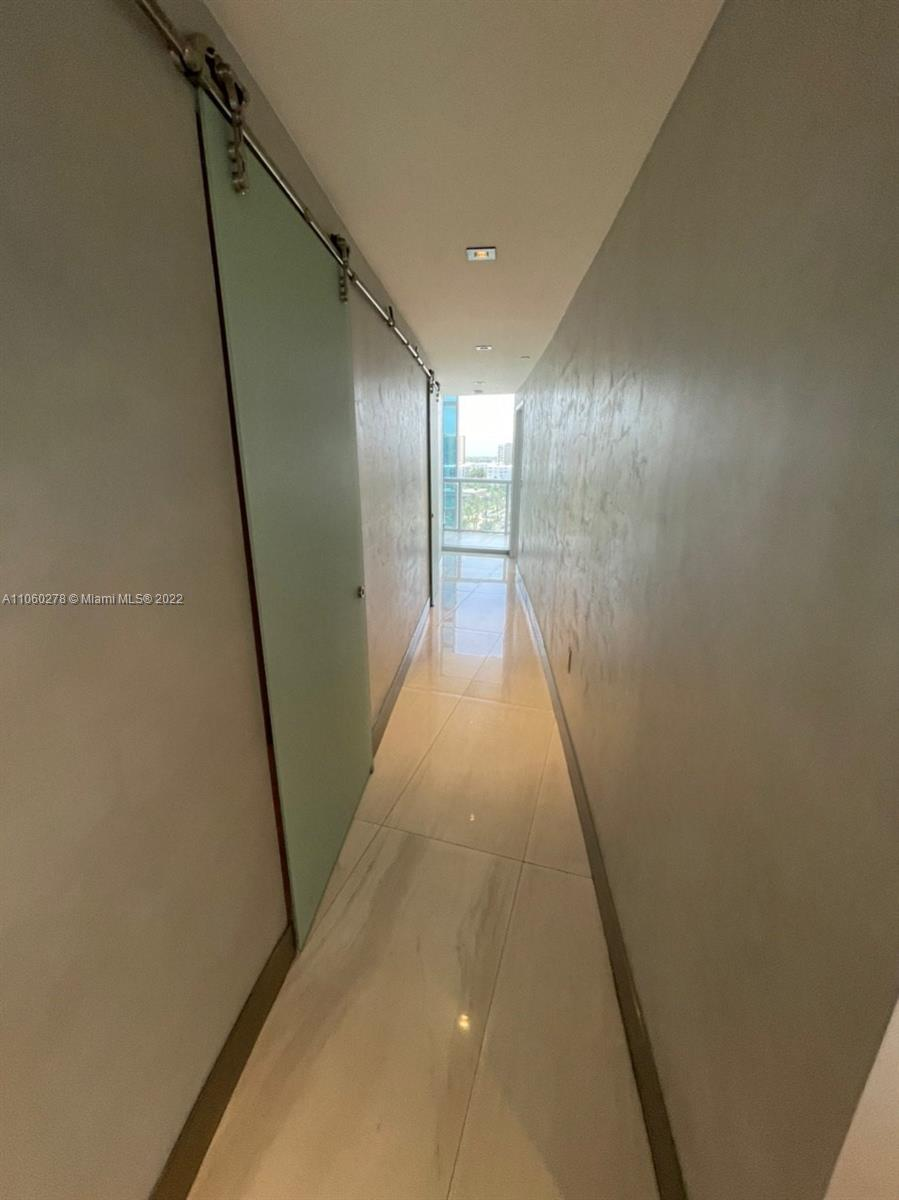 17121 Collins Ave #808 photo016