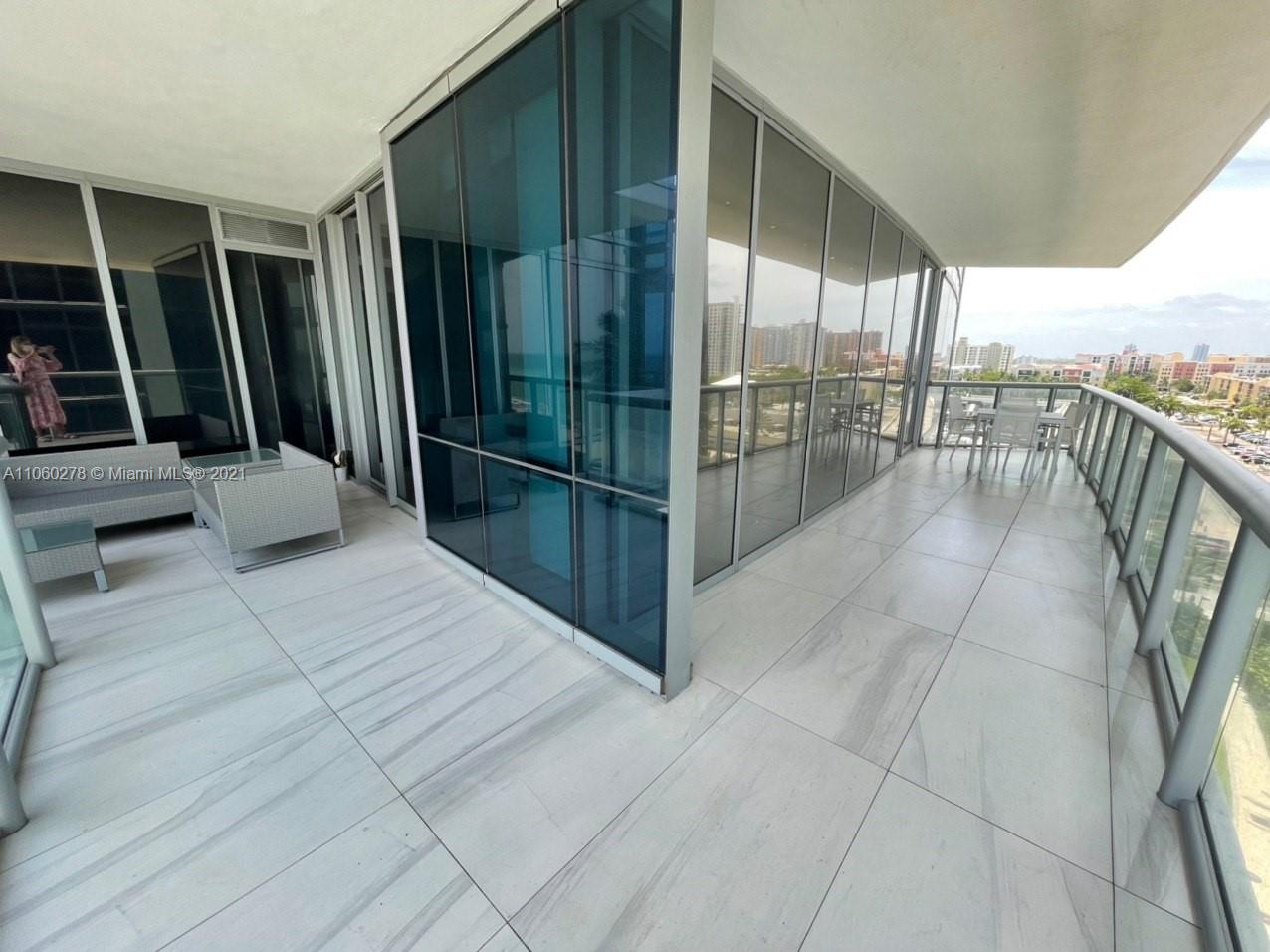 17121 Collins Ave #808 photo07