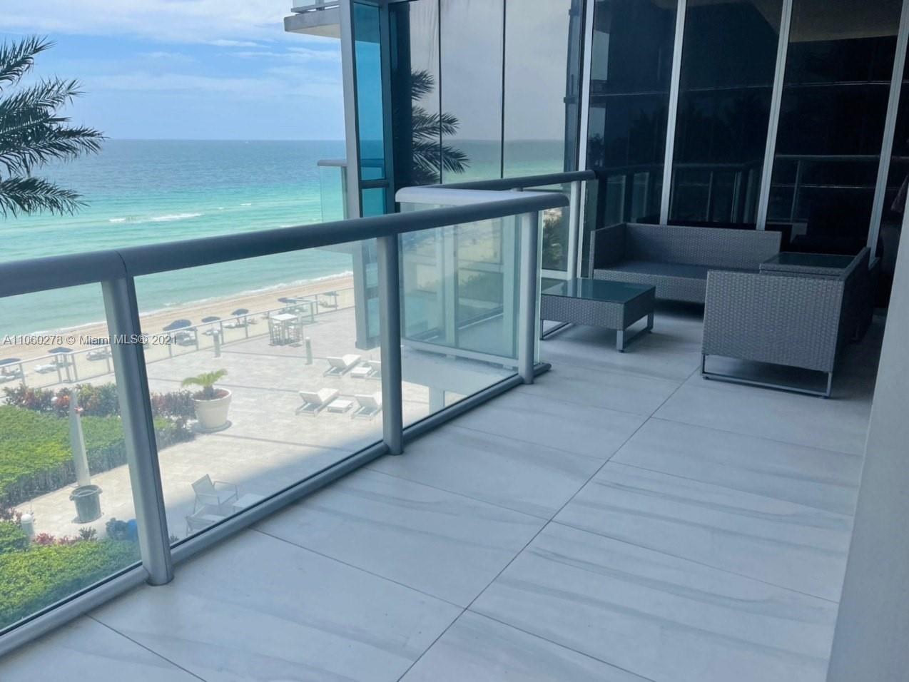 17121 Collins Ave #808 photo03