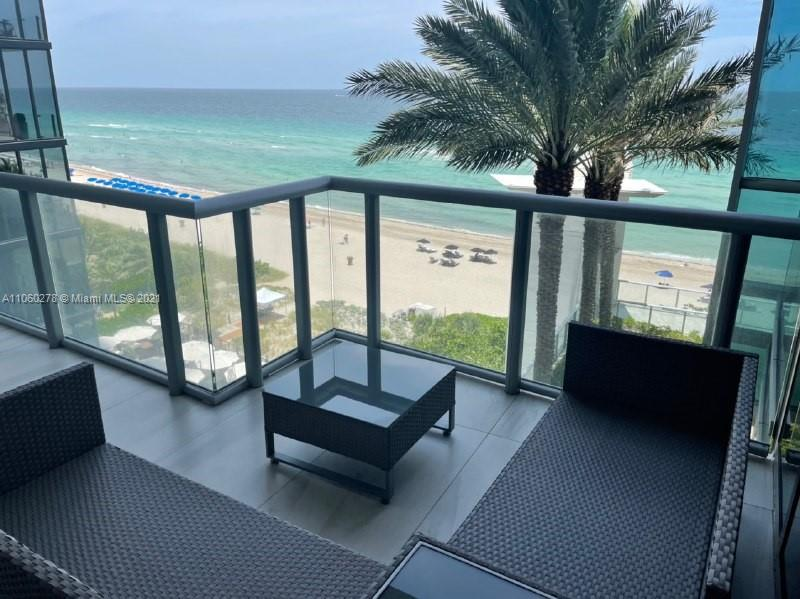 17121 Collins Ave #808 photo01