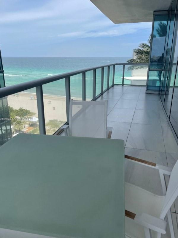 17121 Collins Ave #808 photo05