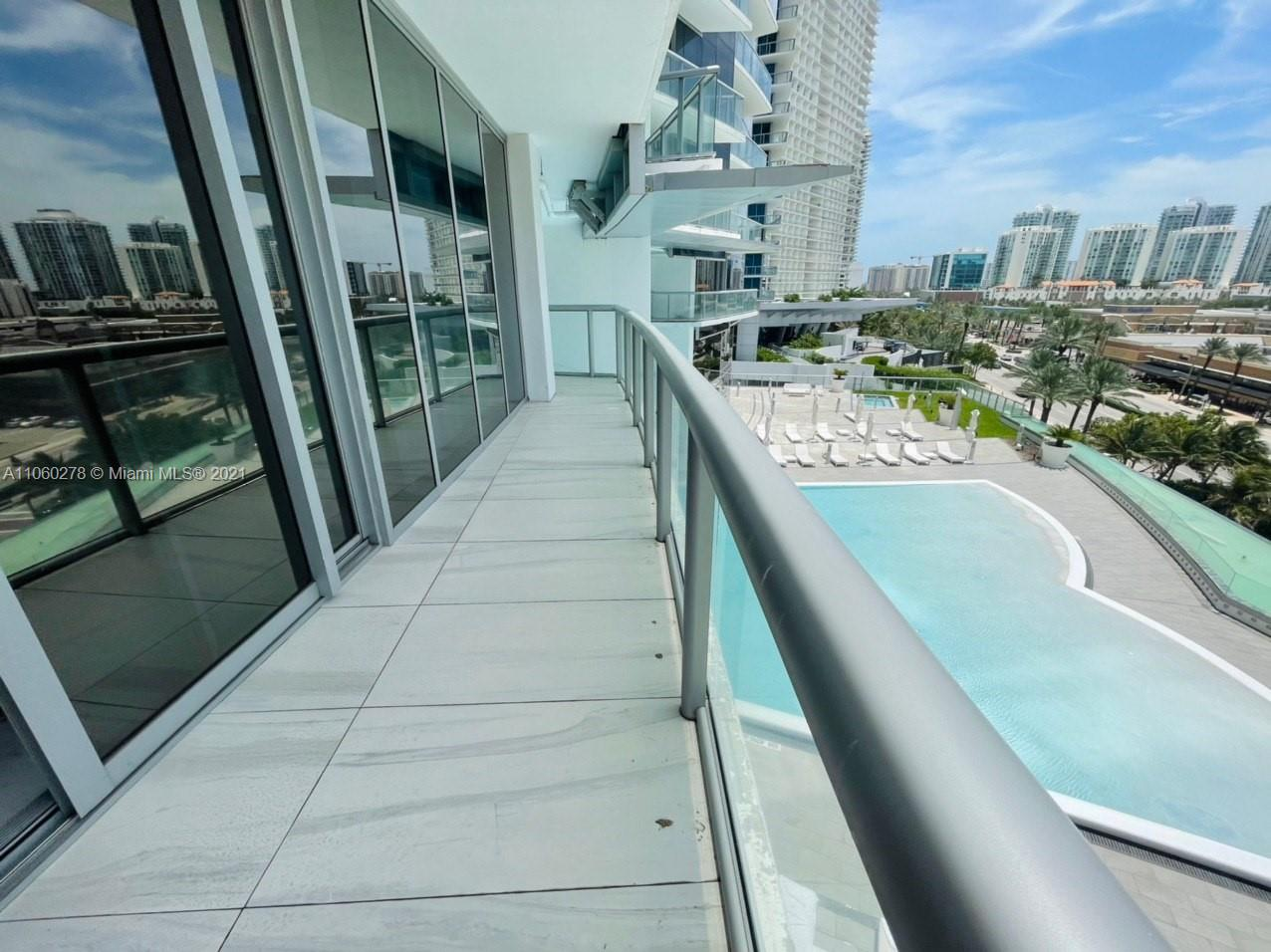 17121 Collins Ave #808 photo037