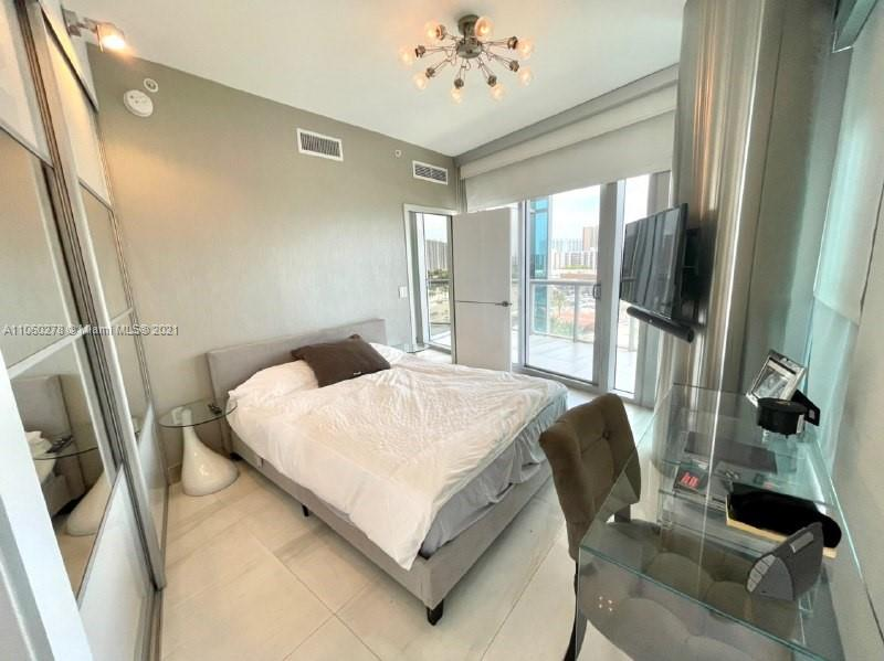 17121 Collins Ave #808 photo019