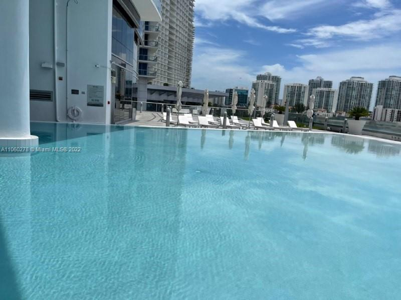 17121 Collins Ave #808 photo040