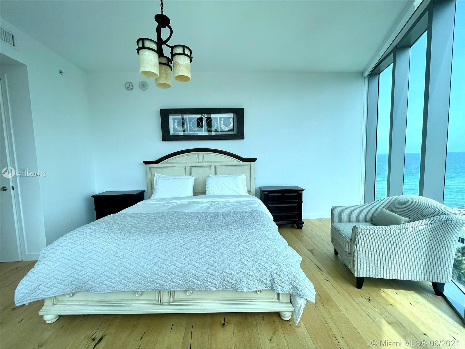 17475 Collins Ave #804 photo06