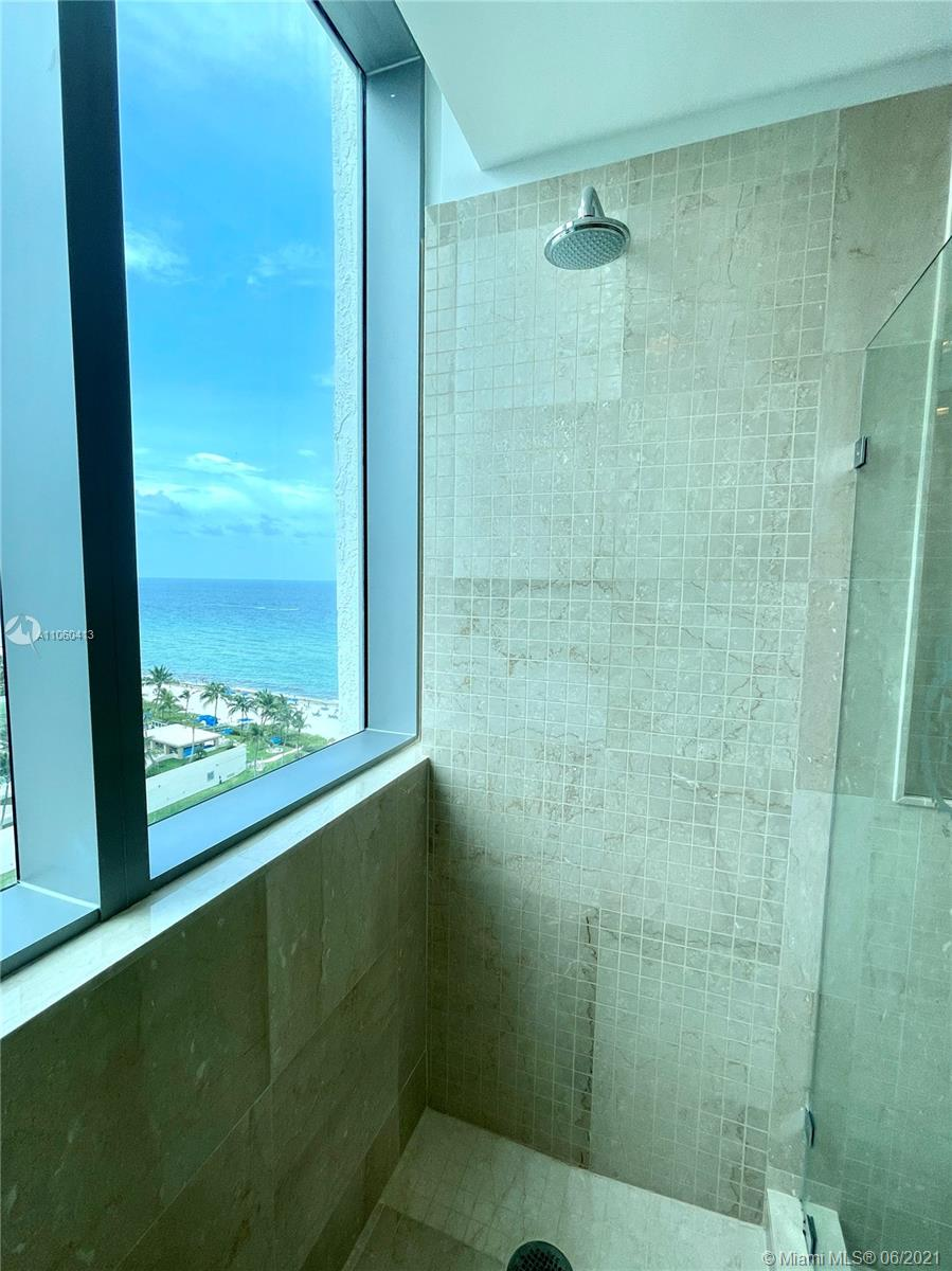 17475 Collins Ave #804 photo046