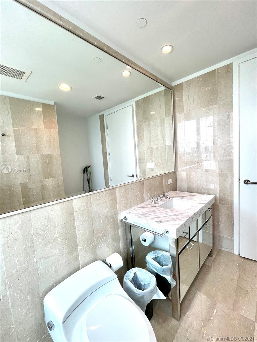 17475 Collins Ave #804 photo047