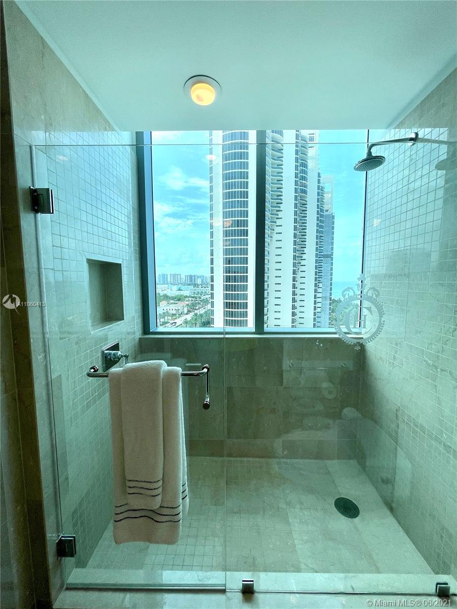 17475 Collins Ave #804 photo043