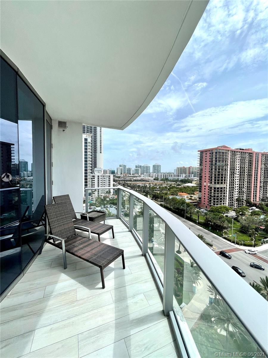 17475 Collins Ave #804 photo057