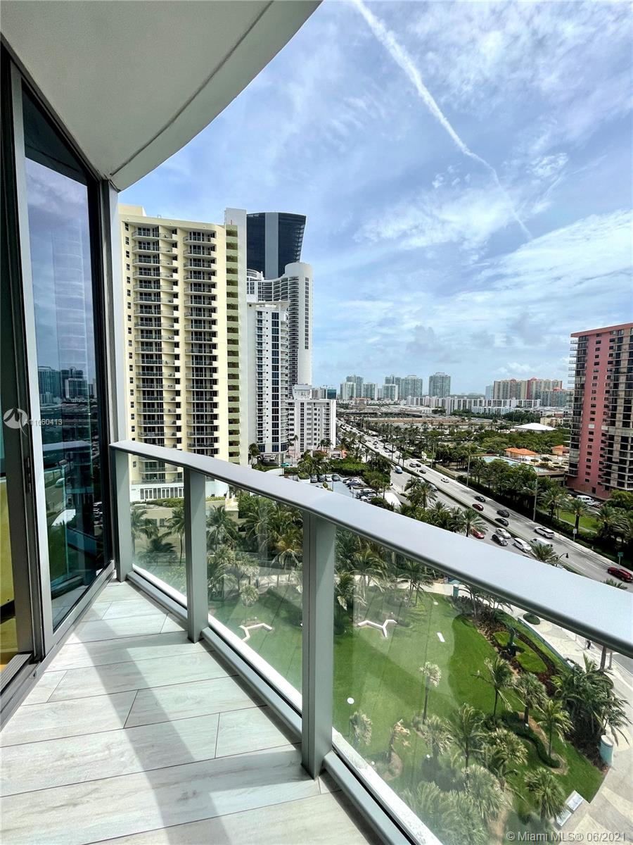 17475 Collins Ave #804 photo061