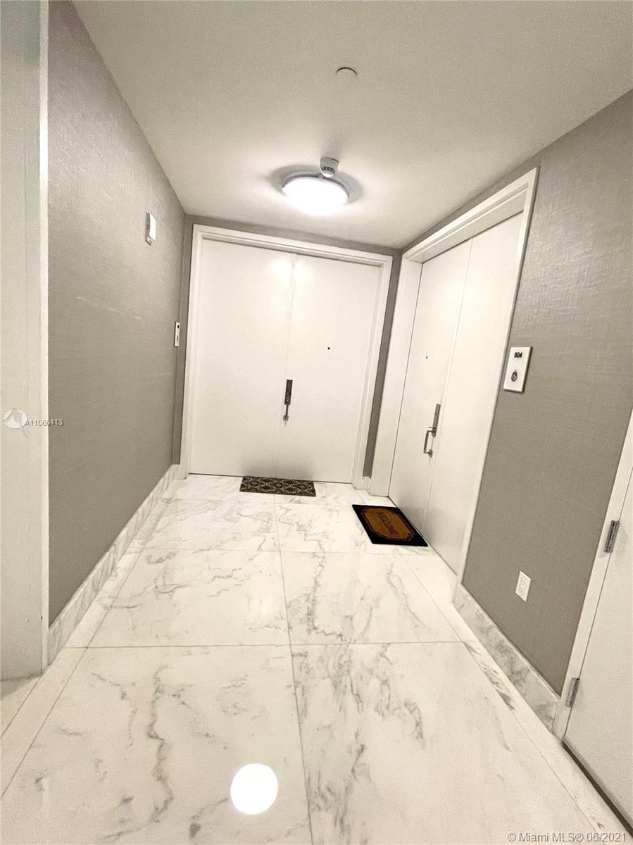 17475 Collins Ave #804 photo065