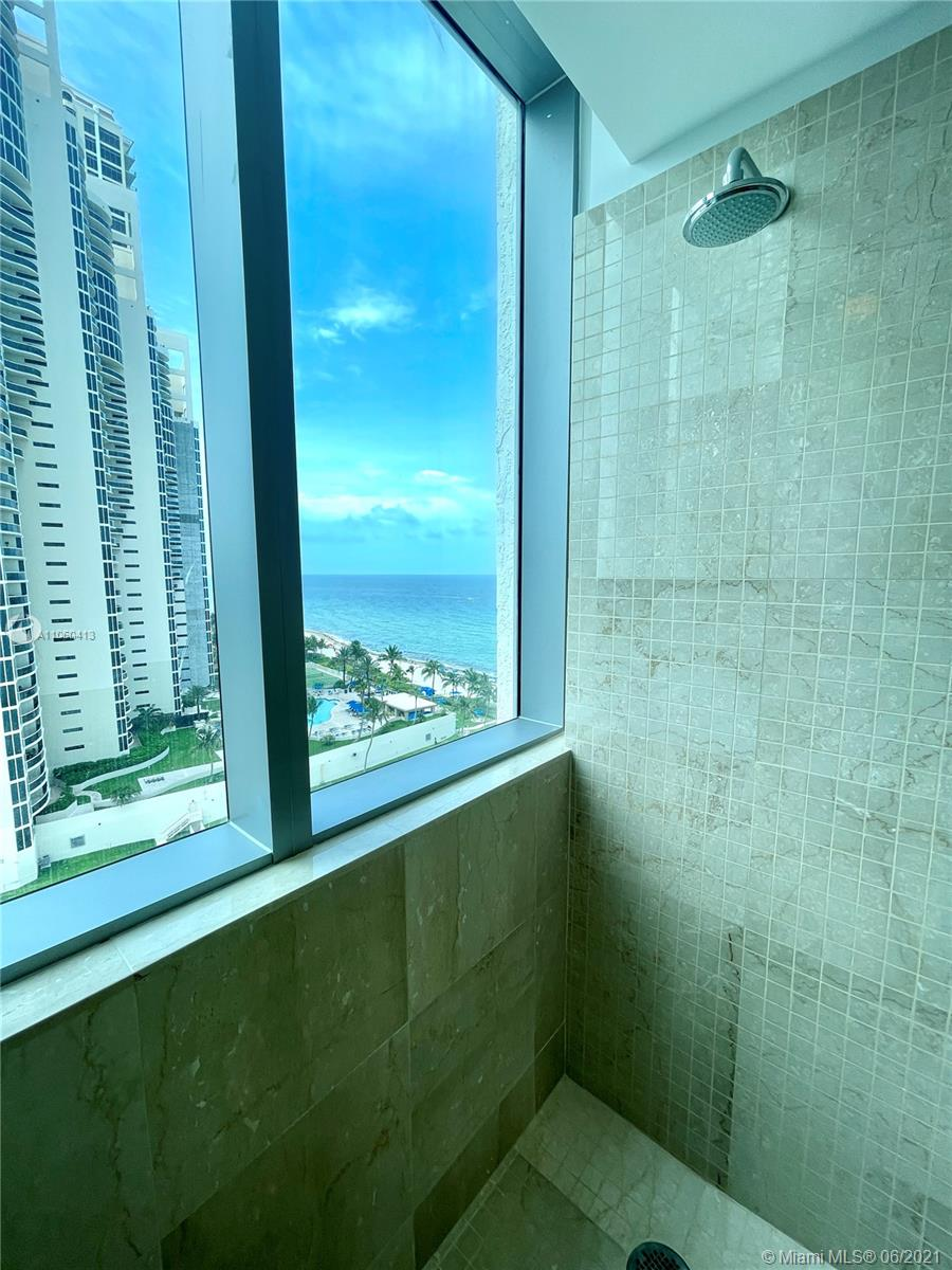 17475 Collins Ave #804 photo045