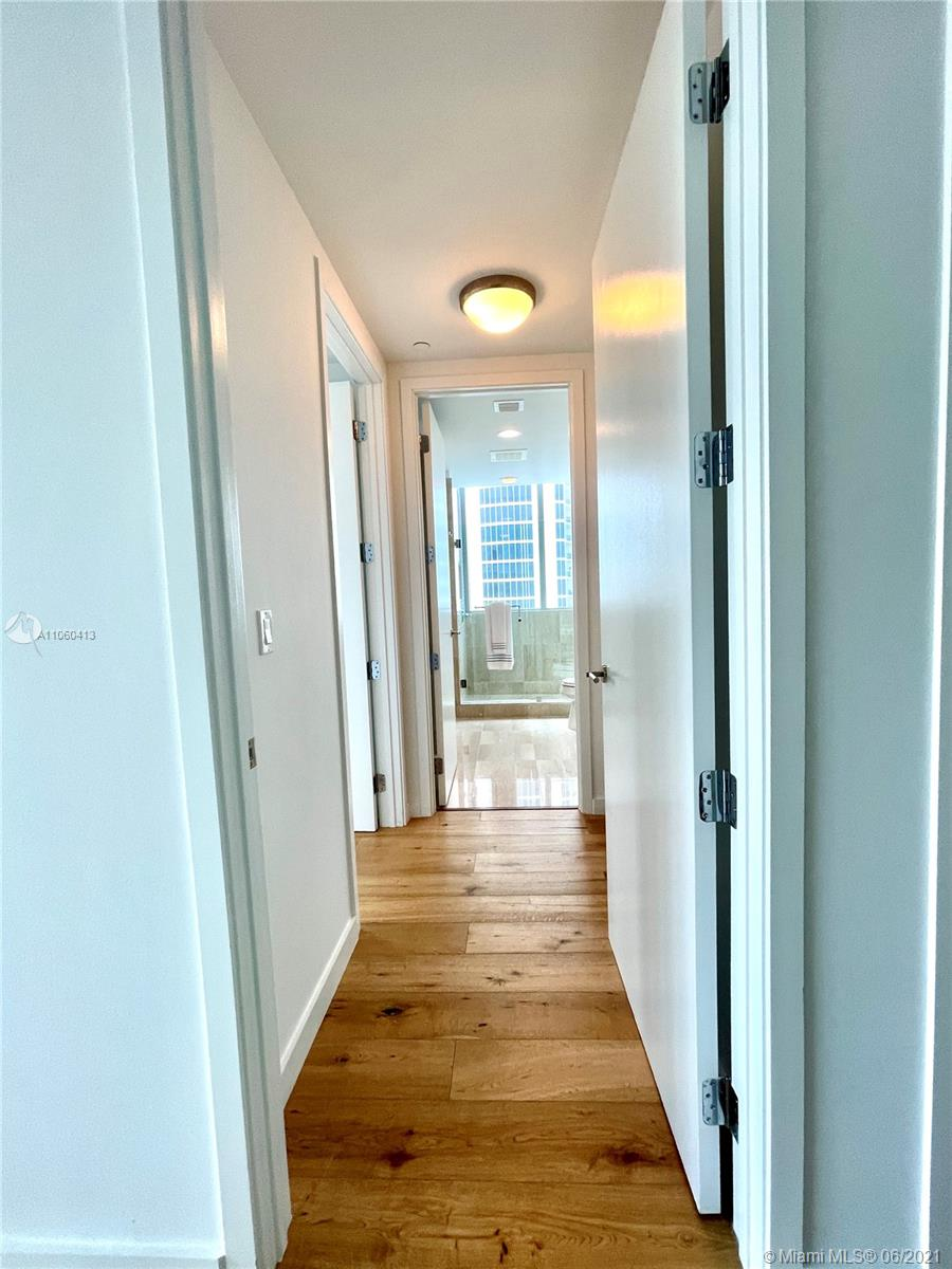17475 Collins Ave #804 photo039