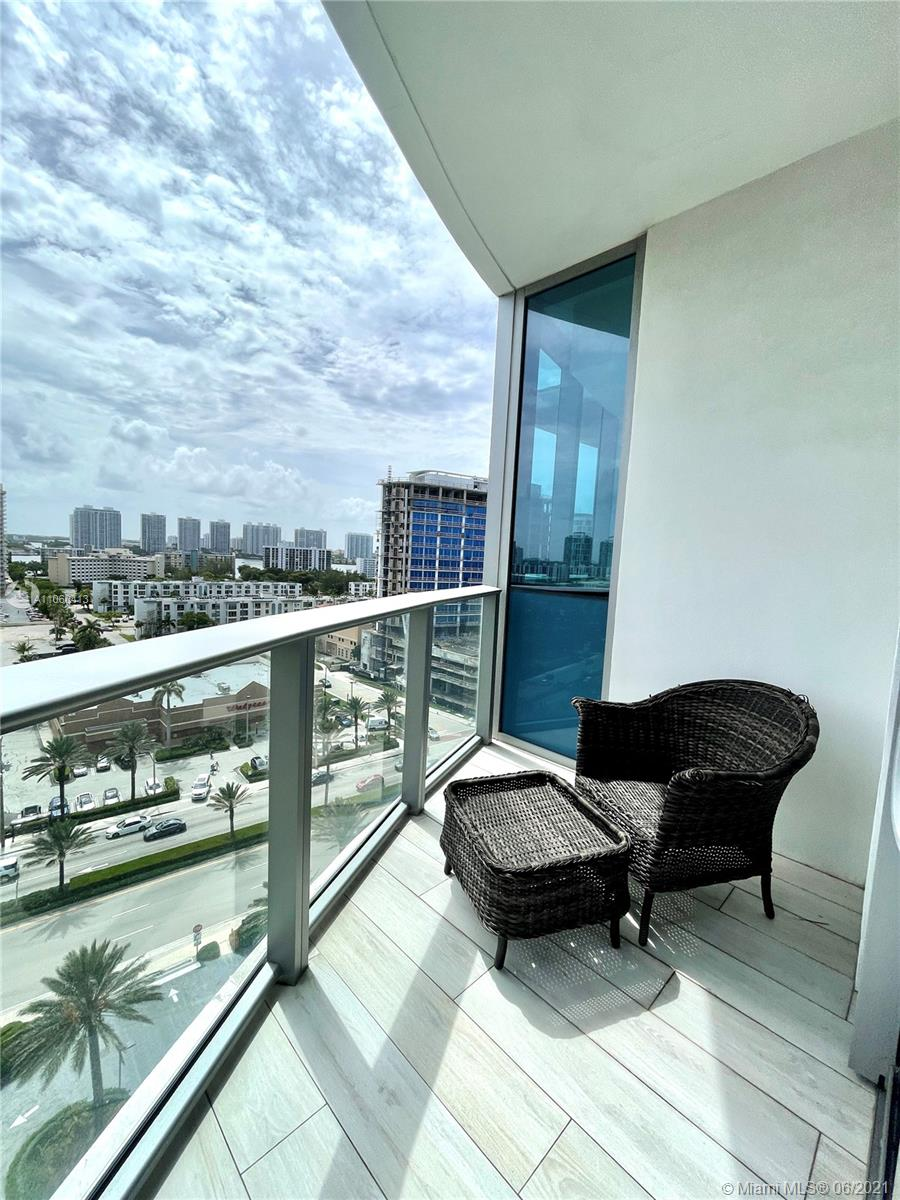 17475 Collins Ave #804 photo060