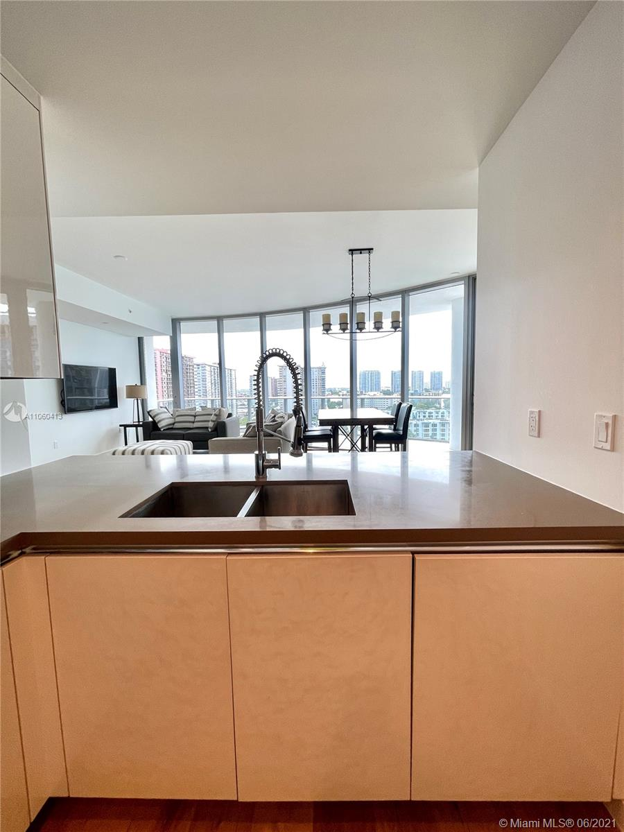 17475 Collins Ave #804 photo029