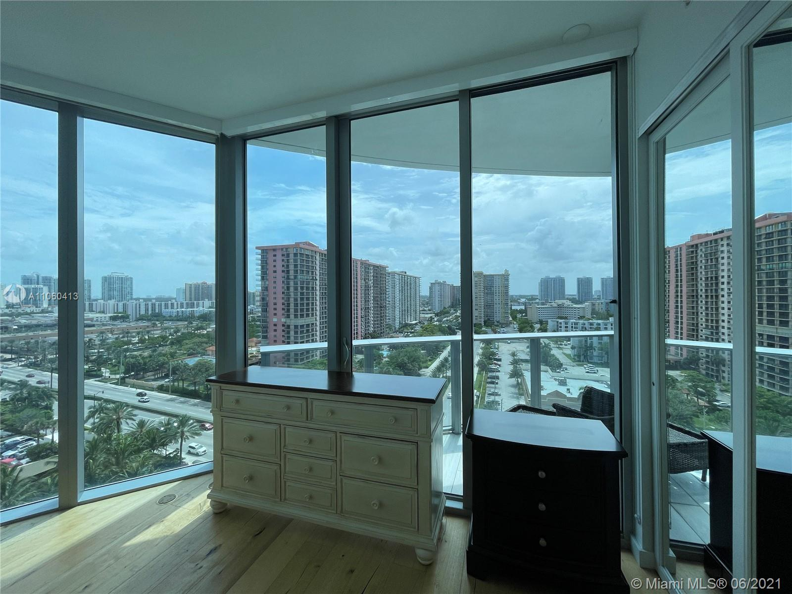 17475 Collins Ave #804 photo04