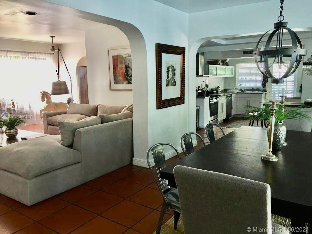 Tropical Isle Homes - 545 Warren Ln, Key Biscayne, FL 33149