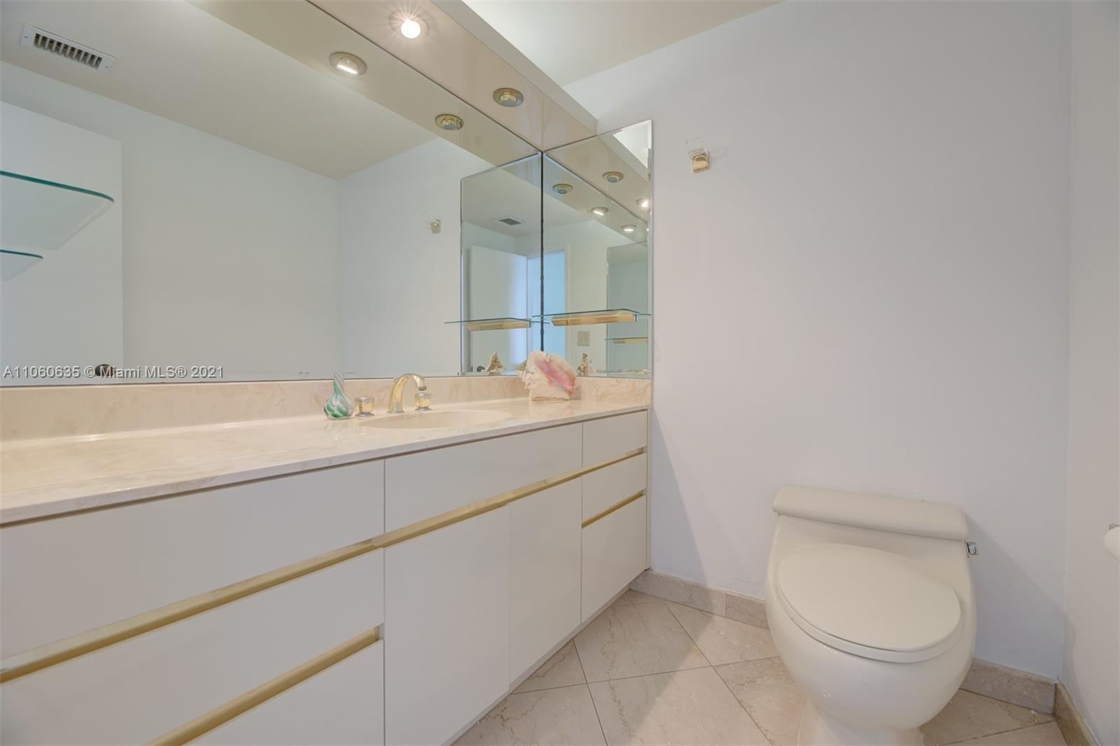 5825 Collins Ave #12F photo017
