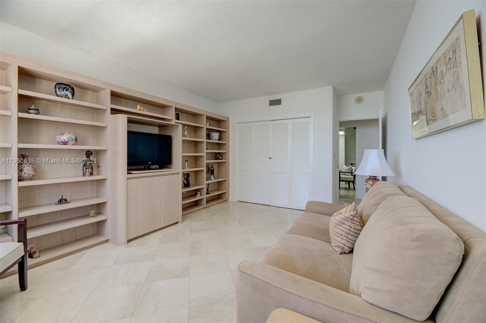 5825 Collins Ave #12F photo016
