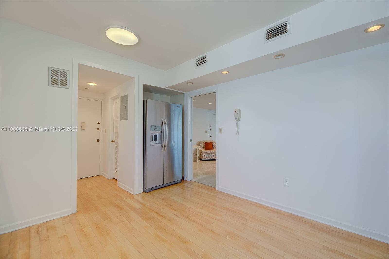 5825 Collins Ave #12F photo012