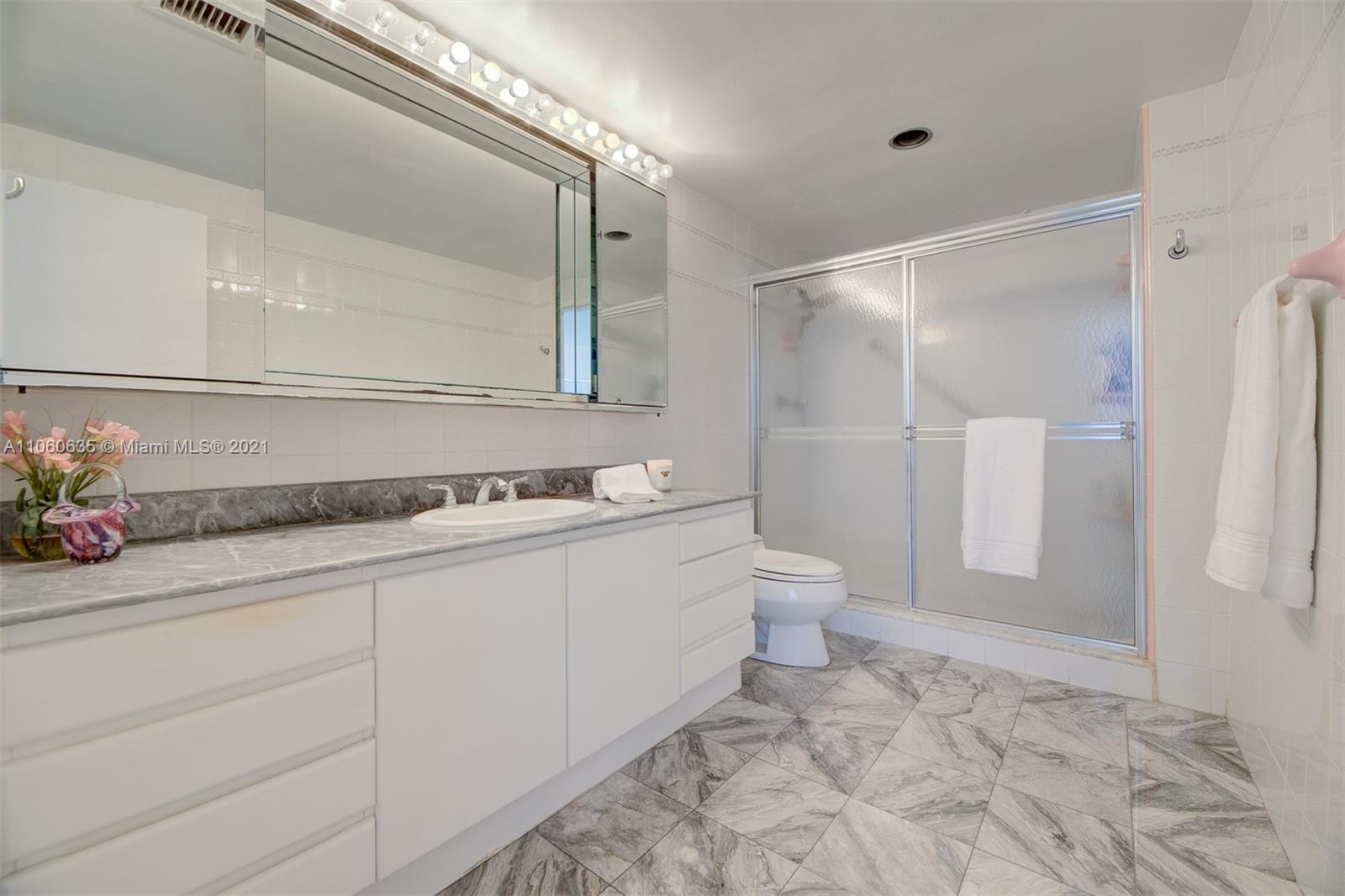 5825 Collins Ave #12F photo022