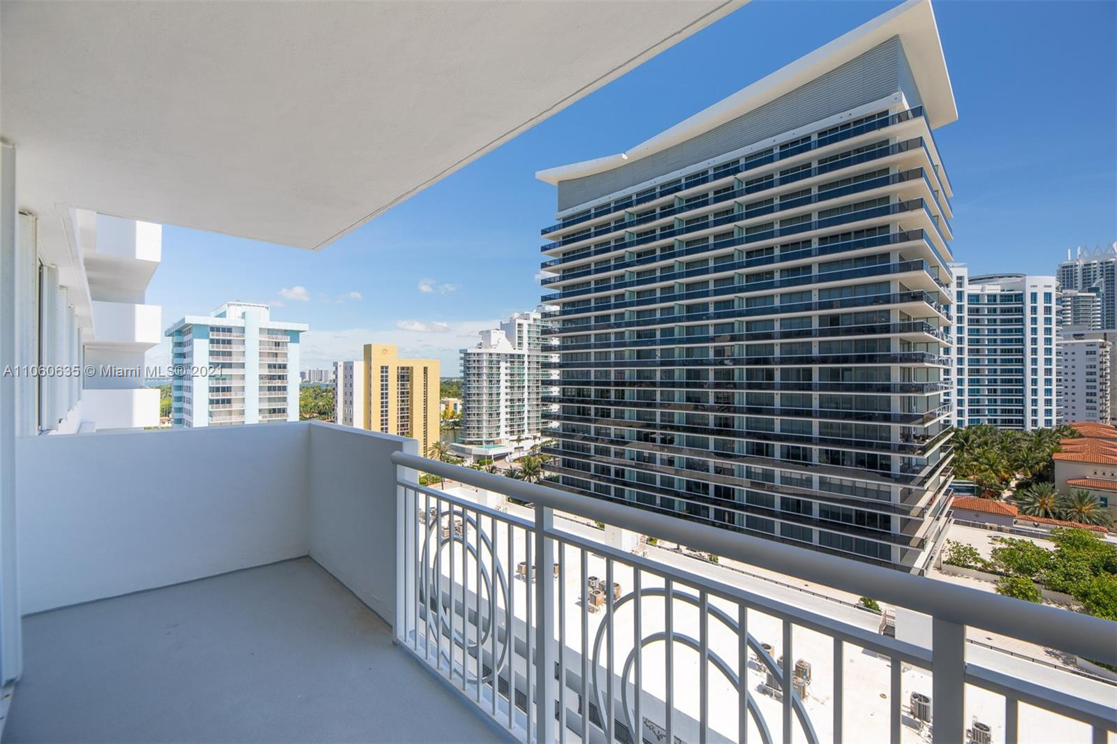 5825 Collins Ave #12F photo039