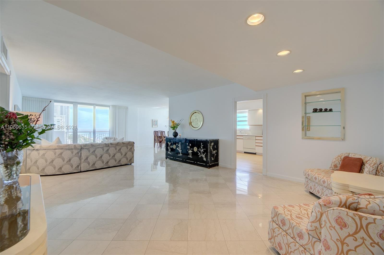 5825 Collins Ave #12F photo08