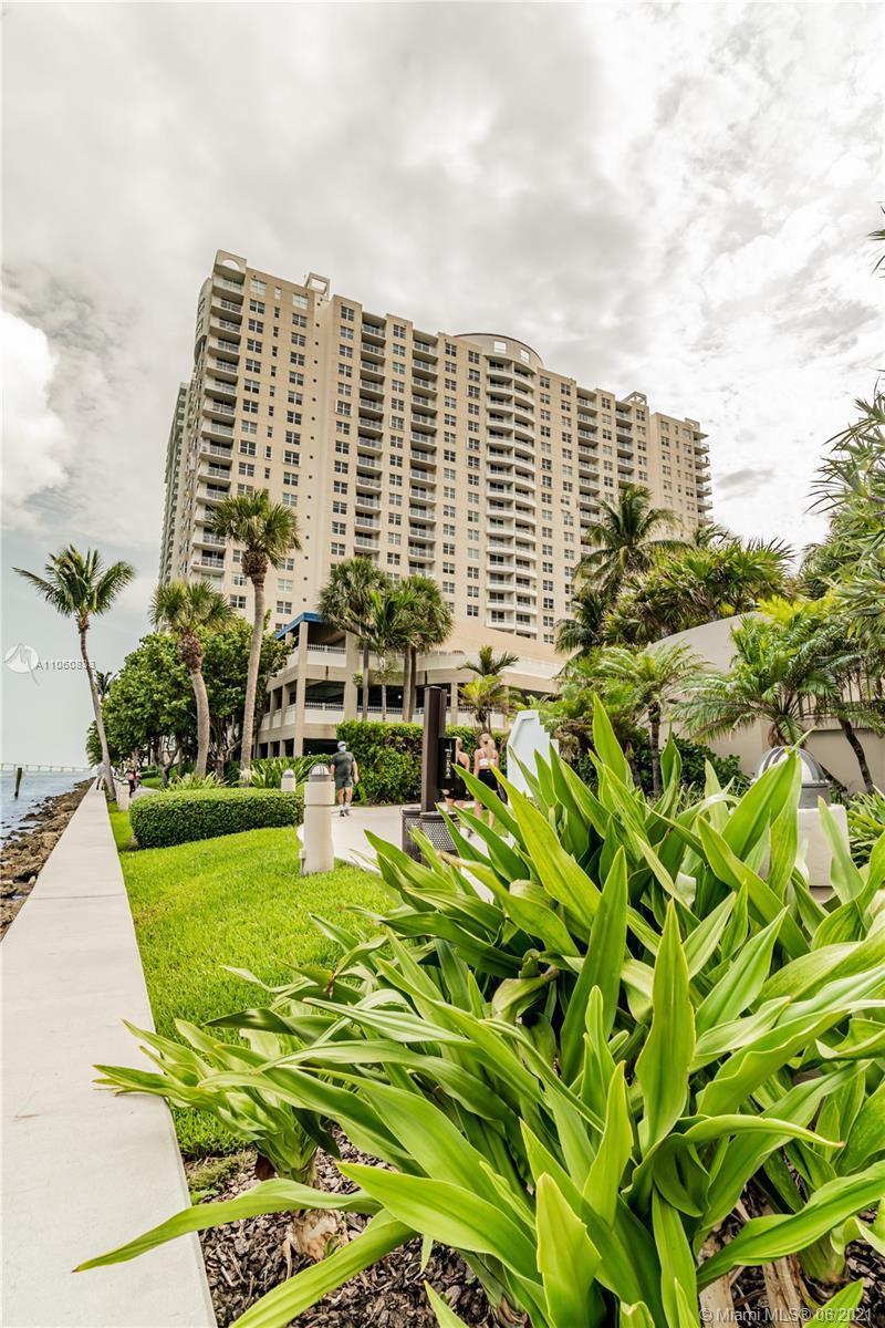 Isola #PH21 - 770 Claughton #PH21, Miami, FL 33131